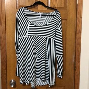 LuLaRoe long sleeve top